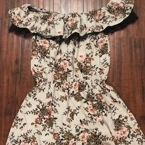 Dresses - Floral romper with lace detail